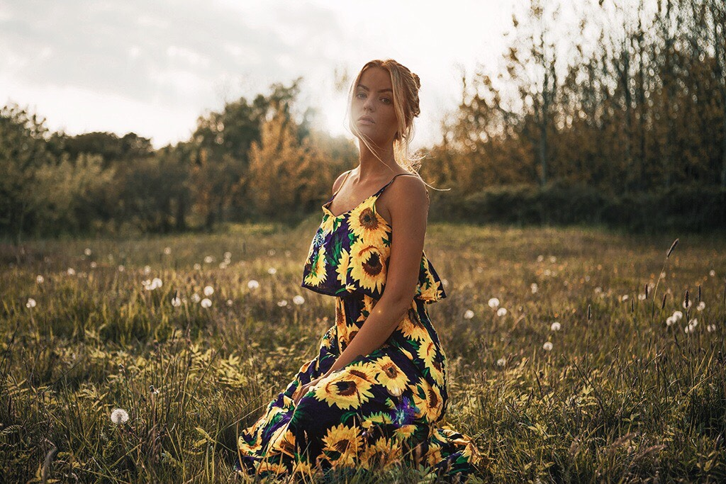Sunflower dress meadow