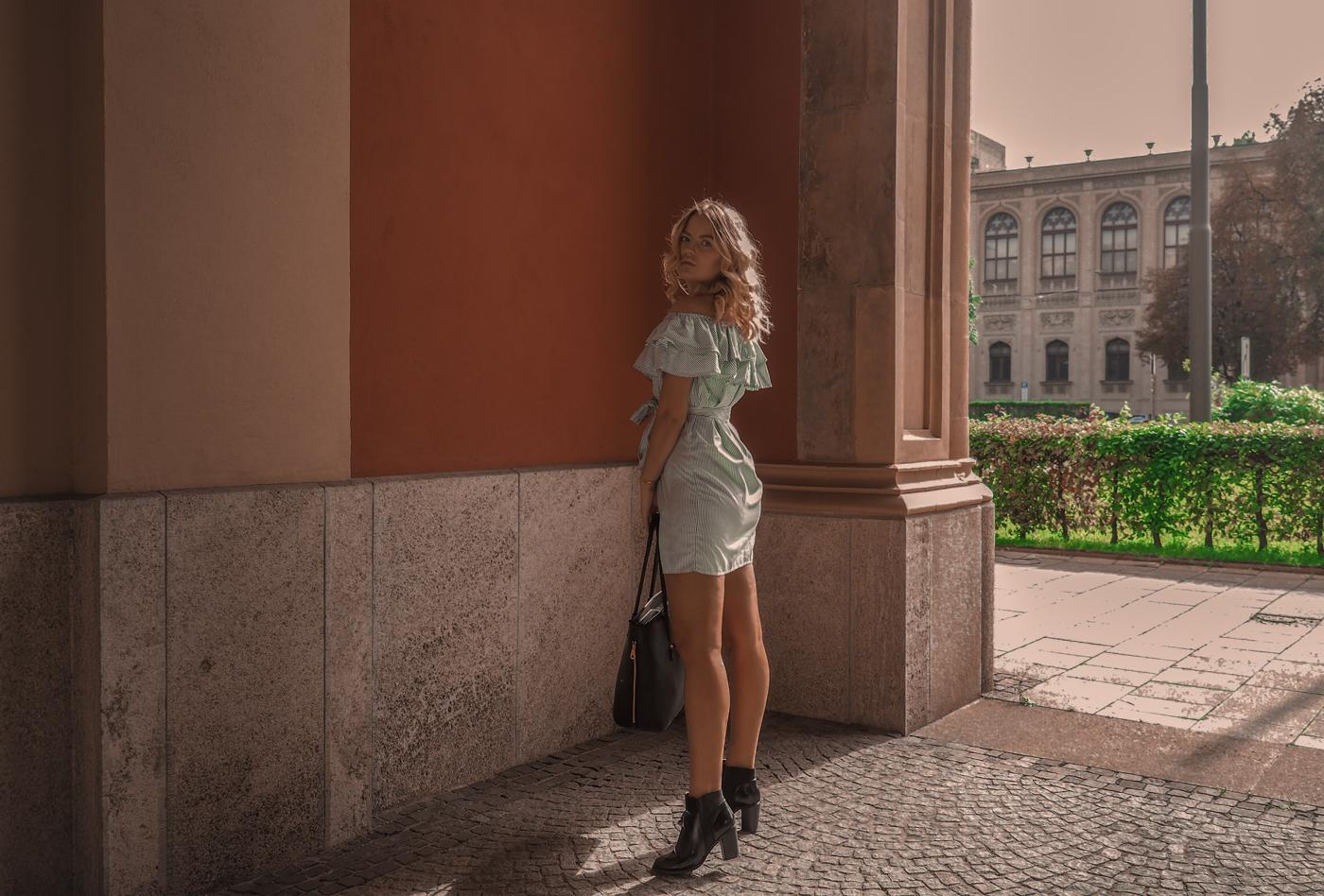Green Dress in Munich